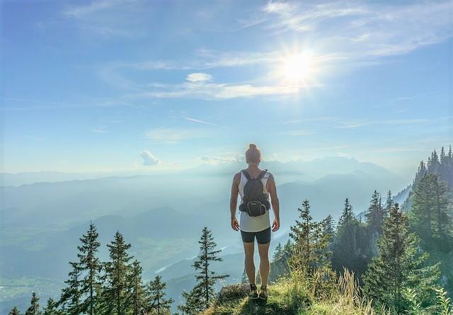 girl-mountain vacation